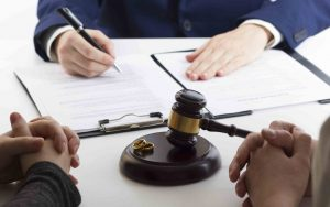 role of Divorce Lawyers in managing HNI divorces - Pamela Cominos